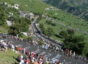 Spectators_Tour_de_France_2008